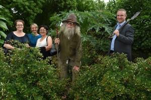 150318 Gardening gooroos